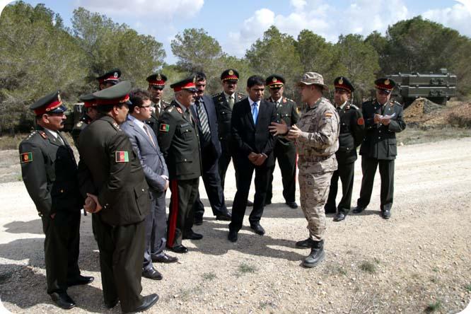 Oficiales superiores afganos en el cuartel de Tentegorra